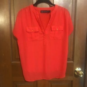 Bright red short sleeve Vneck top  with pockets